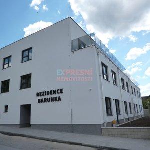 Pronájem, Byty 1+kk, 38m², předzahrádka, parkování - Hluboká nad Vltavou