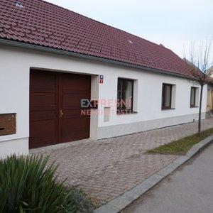 Prodej, Rodinné domy, 191m², po rekonstrukci, zahrada, Lišov