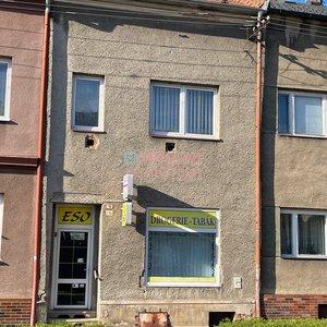Prodej, Rodinné domy, 450m² s dvoj-garáží a parkovacím stáním - Krnov - Pod Bezručovým vrchem