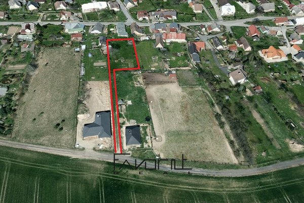 Pozemek pro bydlení, 1200m², Úvalno
