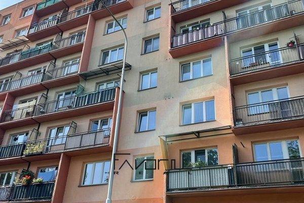 Nabízíme k prodeji byt 2+1 s balkonem, 5NP/8NP, 57 m2, na ul. Ukrajinská, Ostrava - Poruba