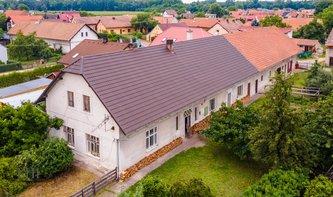 Prodej, Rodinného domu 800 m² s pozemkem 1 677 m²  - Břehy