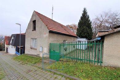 Rodinný dům 2+1 se zahradou 200m², Odolena voda, Ev.č.: 00037