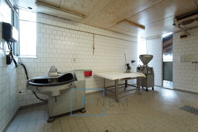 Prodej objektu pro potravinářskou výrobu 305m² - Neuměřice, Ev.č.: 18