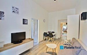 Pronájem bytu 2+kk, 40,9m² - Praha - Žižkov, Kubelíkova