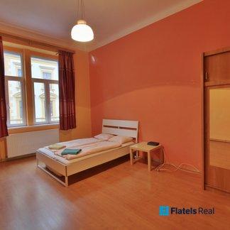 Pronájem bytu 2+1, 83m²/balkon - Praha 8 - Novákových