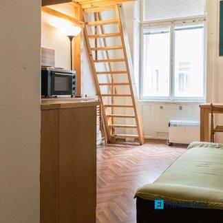 Pronájem bytu 1+kk, 20m² - Praha - Staré Město (Konviktská)