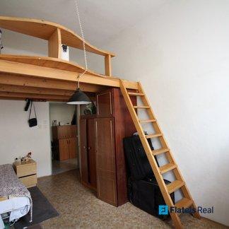 Prodej bytu 1+1, 35m2, cihla, 2min od metra Palmovka