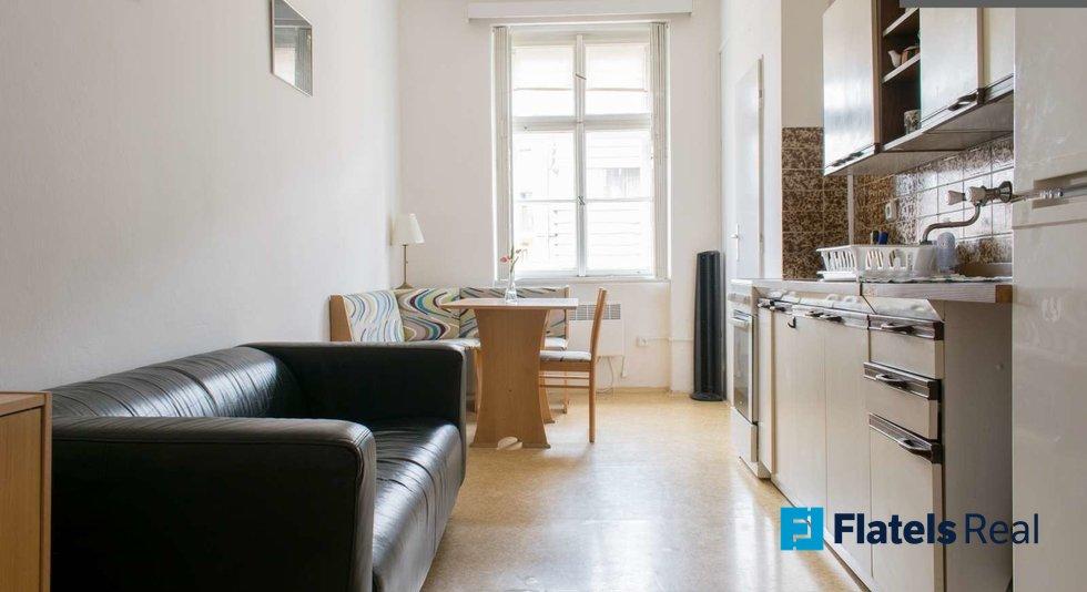 Mala_step_kitchen