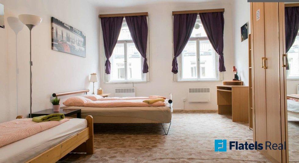 Mala_step_bedroom1