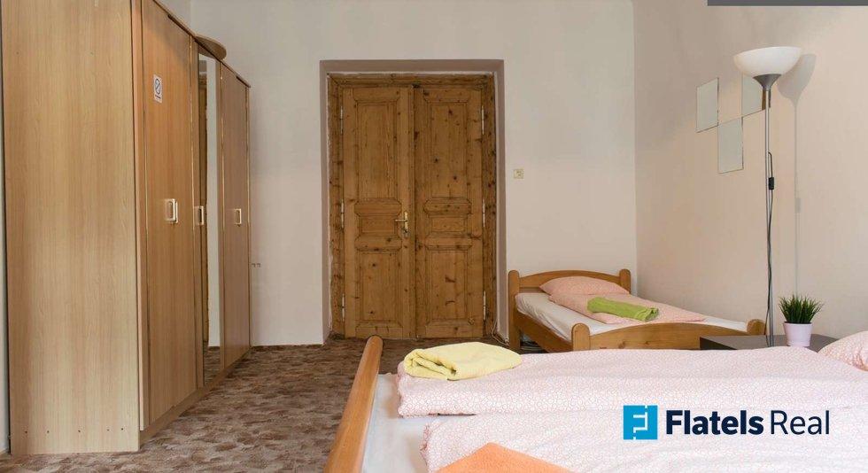 Mala_step_bedroom