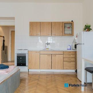 Pronájem bytu 1+kk, 28,6m² - Praha - Nusle (U Křížku)