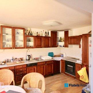 Prodej mezonetového bytu 5+1/T, 134 m2, cihla, 2 min od metra Palmovka