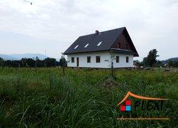 Pronájem dvougeneračního rodinného domu, 2+kk a 5+2 v klidné části obce Bystřice nad Olší
