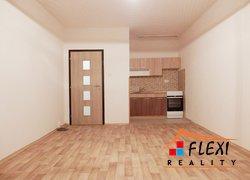 Pronájem rekonstruovaného bytu 1+kk v os.vl. se zasklenou lodžií, 30 m2 na ul. Klicperova, Frýdek-Místek