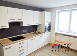 Pronájem zrekonstruovaného bytu 2+kk, 29 m2, ul. Lískovecká, Frýdek-Místek