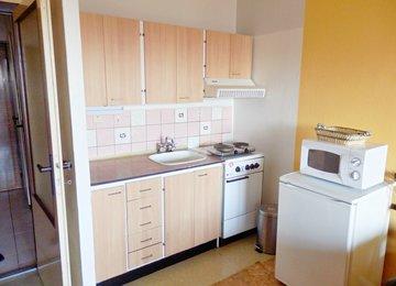Pronájem zařízeného bytu 1+kk+lodžie, 28 m², ul. Čujkovova, Ostrava -Zábřeh