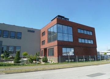 Pronájem 4 podlažní budovy o celkové výměře 916 m² s možností pronájmu i jednotlivých pater na ul. Novoveská, Ostrava-Mariánské Hory