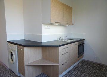 Pronájem zrekonstruovaného bytu 1+1, 37 m2, na ul. Čsl. Armády, Karviná