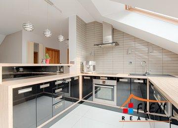 Pronájem zrekonstruovaného, podkrovního bytu 2+kk v os.vl., 120 m2, Moravská Ostrava, ul Jirská