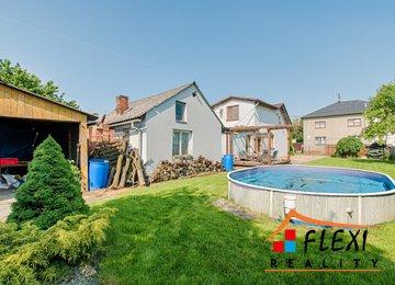 Prodej rodinného domu 3+1/100m² se zahradou a bazénem, ul. Sametová, Karviná