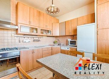 Prodej bytu 3+1 v os.vl.,76 m2 s lodžií,  ul. Dr. M. Tyrše, Frýdek-Místek