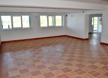 Pronájem, skladovací prostory 92,5m², Baška