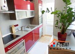 Pronájem částečně zařízeného zrekonstruovaného bytu 2+kk, balkón, 45 m2, ul. Lískovecká, Frýdek-Místek