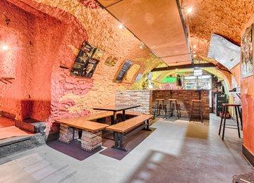 Pronájem zavedeného baru 300 m² ul. Otická, Opava - Předměstí