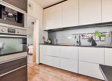 Prodej bytu 3+1 v os.vl.  s komorou a zasklenou lodžií, 69.85 m² užitné plochy, ul. J. Čapka, Frýdek-Místek