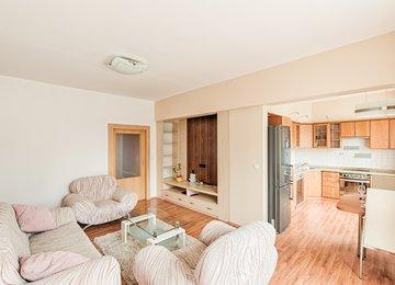 Pronájem bytu v osob. vl. 2+kk s balkonem a šatnou/65m², ul. Jurkovičova, Karviná - Nové Město