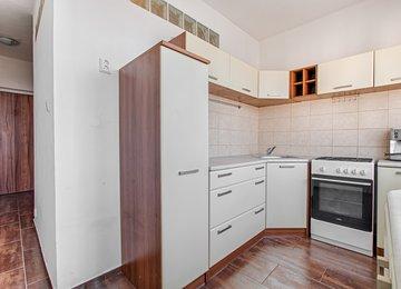 Pronájem rekonstruovaného bytu 2+1, 52m² ul. Školská, Karviná - Ráj