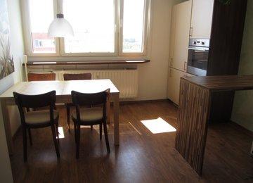 Pronájem hezkého a prostorného bytu 2+1/ 42m²  s lodžií na ul. Rošického, Ostrava - Svinov
