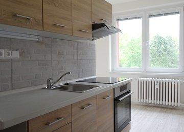 REZERVOVÁNO - Pronájem zrekonstruovaného bytu 1+1 v os.vl., 40m2, Ostrava - Poruba, ul. Vincence Makovského