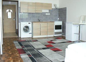 Prodej bytu 1+kk 33m² po rekonstrukci, Orlová, ul. 1. Máje