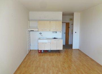 Pronájem bytu 1+kk, 21 m2, lodžie, ul. Ostravská, Frýdek-Místek