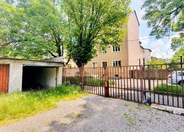 Pronájem garáže v oploceném areálu 20m² ul, Dobrovského, Ostrava - Přívoz
