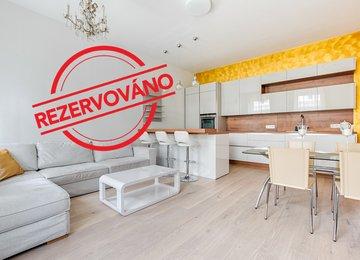 Pronájem moderního zařízeného bytu 3+kk, 86 m² ul. Šumavská, Praha - Vinohrady