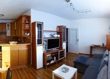 Pronájem zařízeného bytu 2+kk s balkonem, 55 m² na ul. Na Baranovci, Slezská Ostrava
