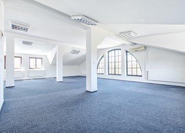 Pronájem prostorné kanceláře se startovací podporou slevy na nájmu, 147 m2, Slezská Ostrava, ul. Hradní
