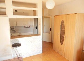 Pronájem bytu 1+kk, 21 m2, ul. Vítězslava Nezvala, Frýdek-Místek