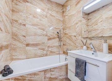 Pronájem zrekonstruovaného bytu 2+1 s lodžií v OV, 56 m2, ul. Břustkova, Ostrava - Výškovice