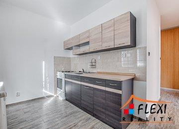 Pronájem bytu 2+1 s lodžií/57m² ul. Nedbalova, Karviná - Nové Město
