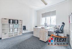 Michal-Lesnak-realitni-makler-Ostrava-Karvina-Havirov-Opava-Frydek-Mistek-flexi-reality-realitni-kan