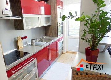 Pronájem částečně zařízeného zrekonstruovaného bytu 2+kk, balkón, 45 m², ul. Lískovecká, Frýdek-Místek