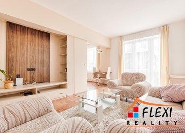 Pronájem bytu v osob. vl. 2+1 s balkonem a šatnou/65m², ul. Jurkovičova, Karviná - Nové Město