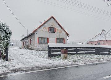 Prodej rodinného domu 5+1 s pozemky, Kozlovice