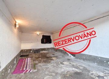 Pronájem garáže, 18 m² ul. Baarova, poblíž nákupního centra Futurum