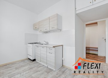 Pronájem družstevního bytu 2+1 55m² - Karviná - Ráj, ul. U lesa