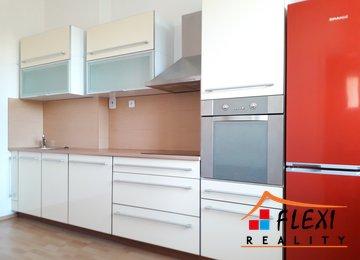 Pronájem zrekonstruovaného bytu 2+1/69 m2 s komorou a lodžií na ul. Tovární, Ostrava - Mariánské Hory